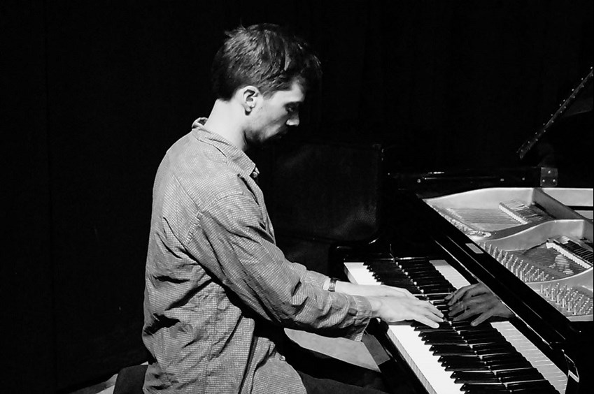 Jonas Cambien, a Belgian piano player living in Oslo | Jazz'halo