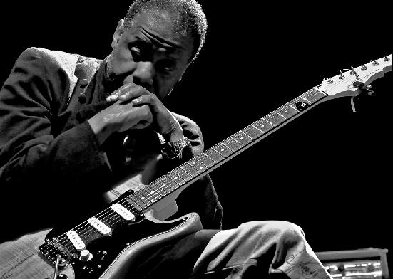 Reggie Washington: the shadow of Jef Lee Johnson   Jazz'halo